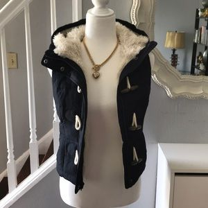 Abercrombie & Fitch puffy vest Sherpa lined XS